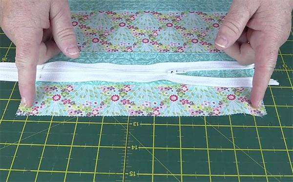 Step3-Insert-Zipper-1