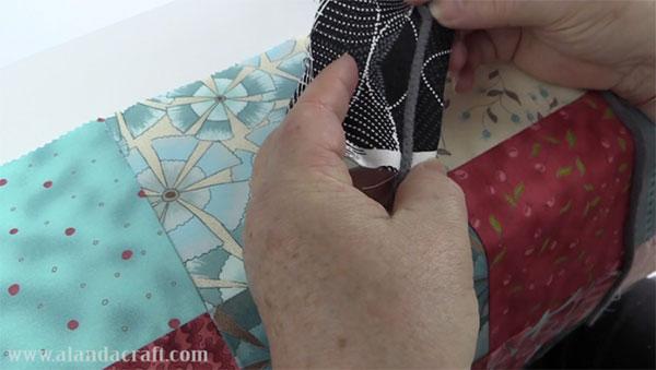 couched patchwork tote bag, bag tutorial, charm square tote bag, quilting, sewing