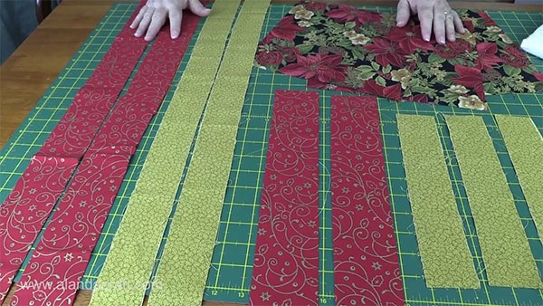 Christmas Table Runner Quilted.Easy Quilted Christmas Table Runner Alanda Craft