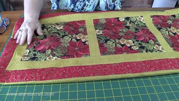 Christmas Runner Quilt Pattern.Easy Quilted Christmas Table Runner Alanda Craft