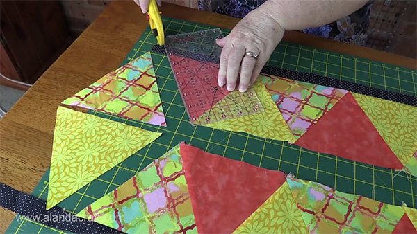 triangle-table-runner,quilting,craft,sewing