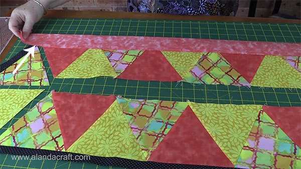 triangle-table-runner.quilting,craft,sewing