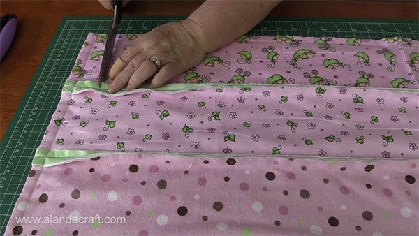 rag-quilt-strips,quilting, quilting tutorial, craft,sewing