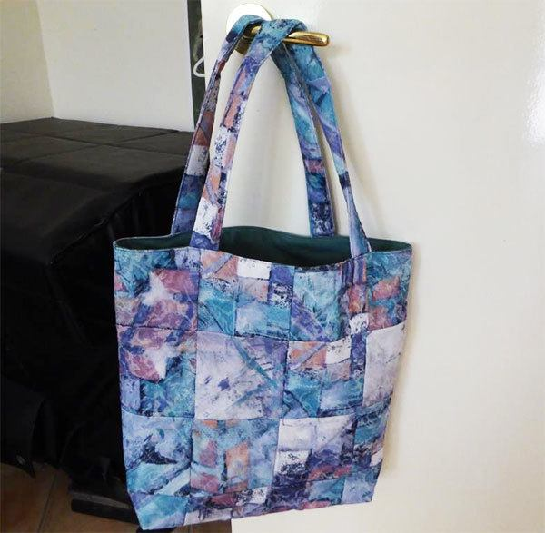 charm square tote bag.quilting, tote bag, readers, projectt