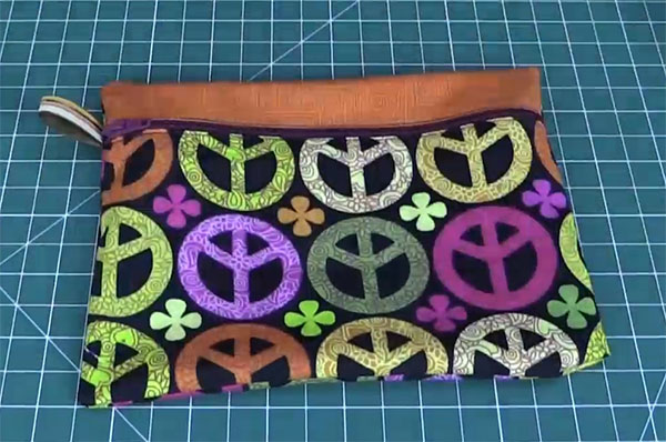 simple zippered pouch or purse tutorial
