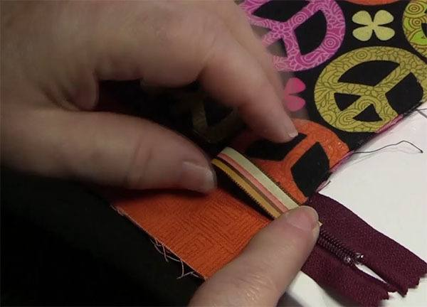 easy step by step zipperd purse tutorial