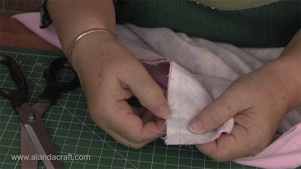 Easy Baby Blanket Tutorial