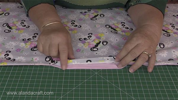 easy minky baby blanket tutorial