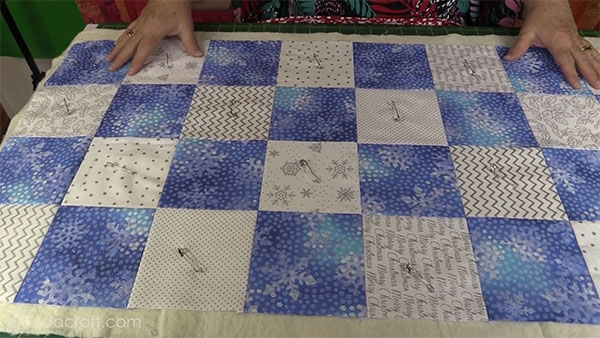 christmas-table-runner,quilting, sewing, www.alandacraft.com, craft,