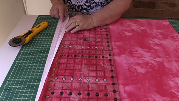 how-to-cut-layer-cake-squares, tutorial, quilting, sewing, craft, www.alandacraft.com
