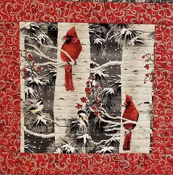cardinal-table-runner.quilting, sewing, alandacraft.com,craft,diy